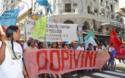 «Le sacan territorios a los indígenas para entregárselos a las multinacionales»